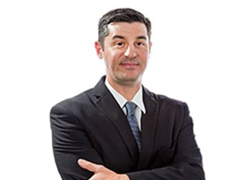 Bernardo Gómez , Legal Partner